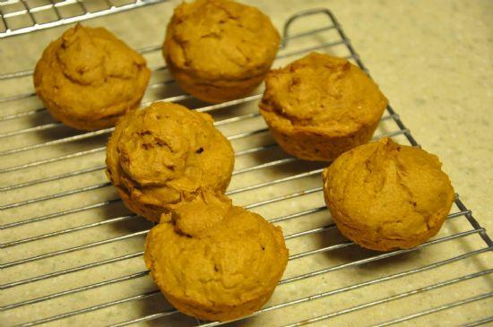 Pumpkin Cup Cakes (serv = 1 cupcake)