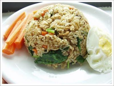 Thai basil fried rice (with chicken and brown rice)
