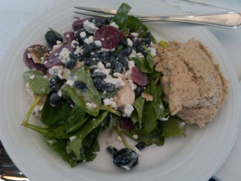 Spinach Salad with Tuna on Side