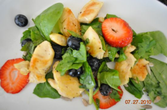 Lemon Pepper Chicken with Mint,Spinach,Straw/Blue-berries
