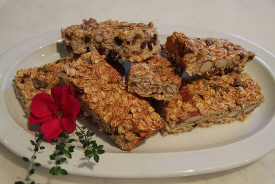 Healthy Heart Oatmeal & fruit bars.