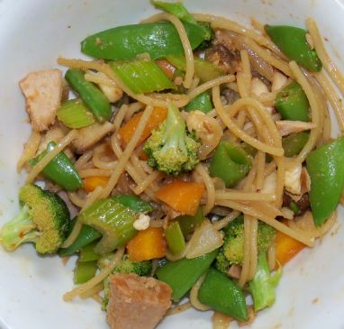 Veggie & ahi tuna steak stir fry