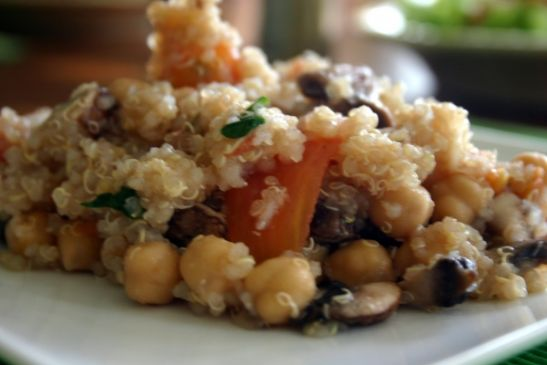 Quinoa with Chickpeas & Tomatoes
