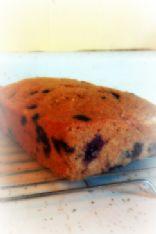 100-ish Calorie Blueberry Zucchini Bread
