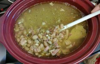 Slow Cooker Bean with Ham soup