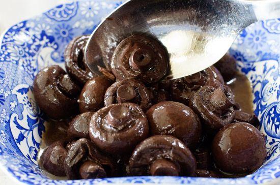Pioneer Woman S Burgundy Mushrooms Recipe Sparkrecipes