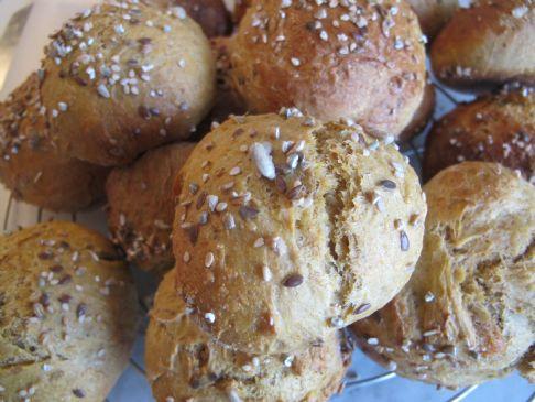 Carrot bread buns