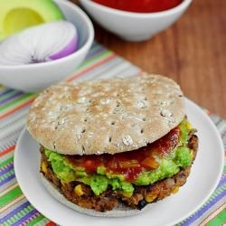 Chipotle Quinoa and Black Bean Burgers