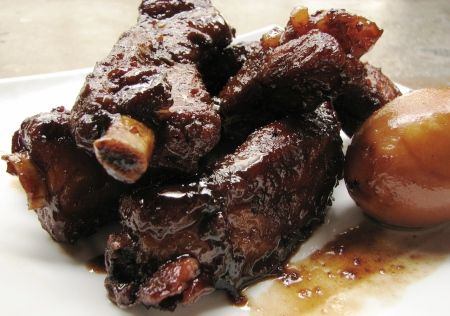 Braised Pork Ribs with Soya Sauce and Rock Sugar