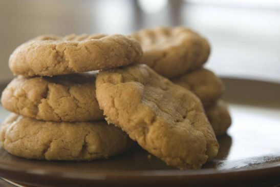 Peanut Butter Cookies (no flour, no butter)