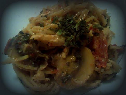 Creamy chicken pasta with vegetables