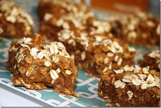 FANNETASTIC FOOD's Almond Butter Banana Breakfast Bars