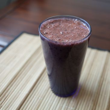 Carrot Juice, Banana, Blueberry Smoothie